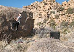 Rock Climbing Photo: Dysfuncton (V1), Joshua Tree NP