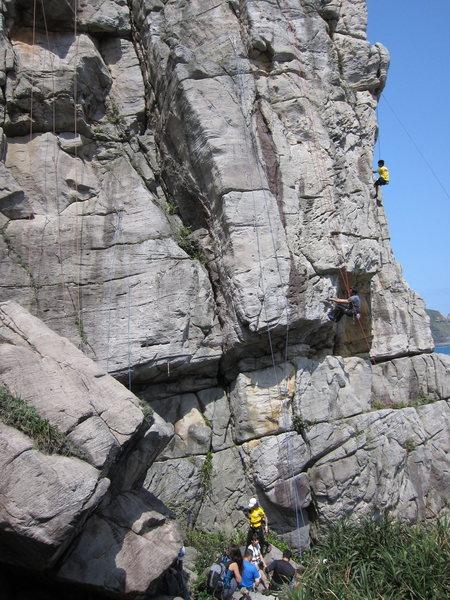 Rock Climbing Photo: The mob descends... blastin' that bubblegum pop fo...
