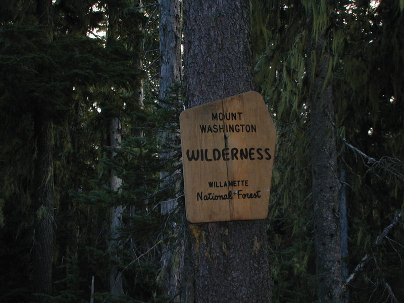 Trail head sign PCT