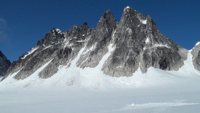 Nice shot of the Trolls.  Middle troll is the 2nd prominent peak from the right.