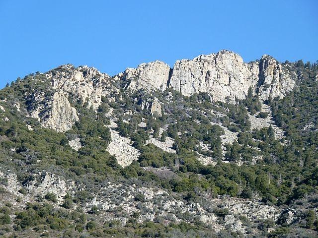 Rock Climbing Photo: Mt. San Bernardino Crag, San Bernardino Mountains
