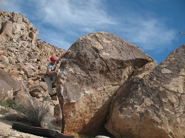 Rock Climbing Photo: Attractive Brunette (V2), Joshua Tree NP