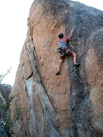 Rock Climbing Photo: Silly Millimeter (5.10b), Holcomb Valley Pinnacles