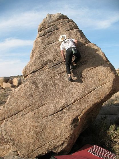 Bouldering near Slashface, Joshua Tree NP