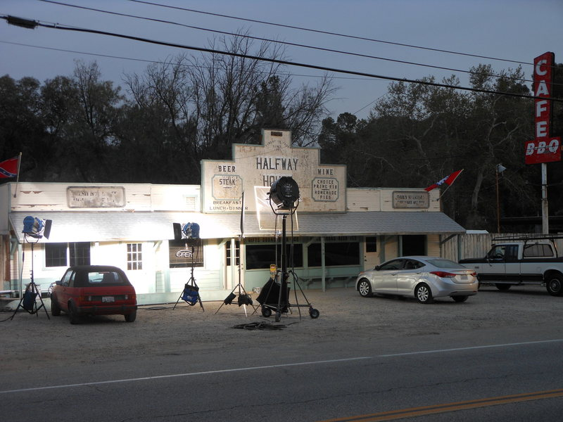 Rock Climbing Photo: The Halfway House Cafe, the local breakfast & lunc...