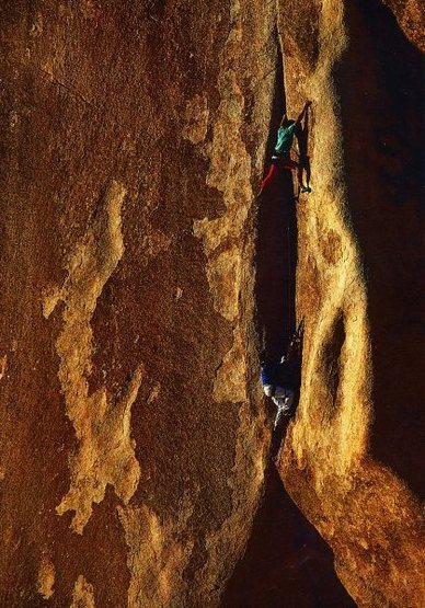 Rock Climbing Photo: Randy Leavitt on the 2nd pitch of Mohawk (5.12c), ...