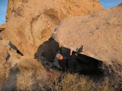 Rock Climbing Photo: James on the PGD Arete (V2), Joshua Tree NP