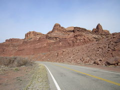 Rock Climbing Photo: Bow & Toe from the road. B on the left, T on the r...