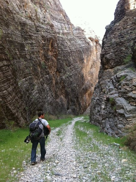 Rock Climbing Photo: Hiking into Arrow Canyon
