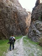 Rock Climbing Photo: Hiking into Arrow Canyon