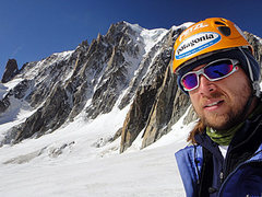 Rock Climbing Photo: Enjoying a quick traverse of the Vallée Blanche i...