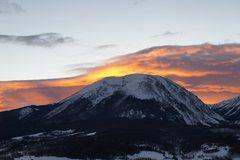 Rock Climbing Photo: Another fiery sunset over Buffalo Mountain.