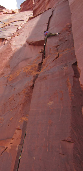 Rock Climbing Photo: Push with the left hand from here to a wide stem -...
