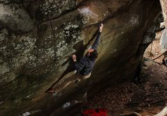 Rock Climbing Photo: Drew Hayes on Pit Barbecue (V6)