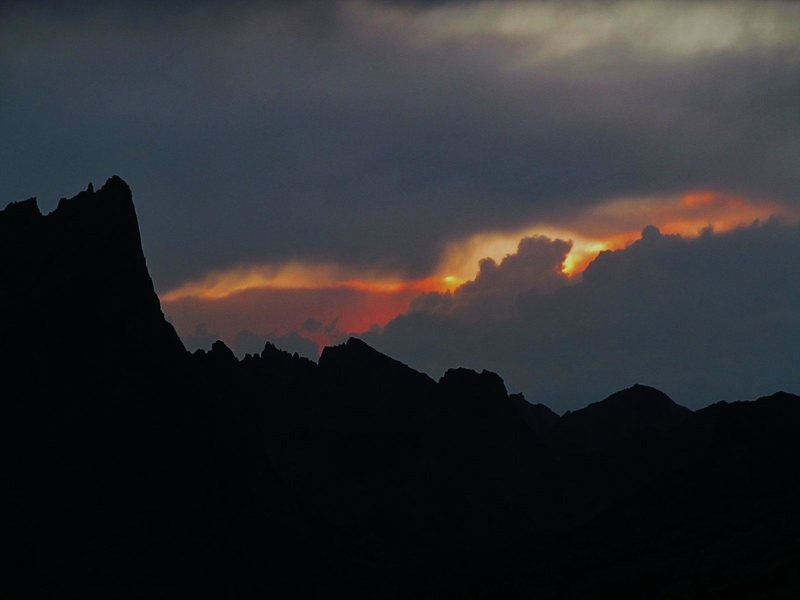 Rock Climbing Photo: Cirque of Towers taken from Deep Lake, Wind River ...