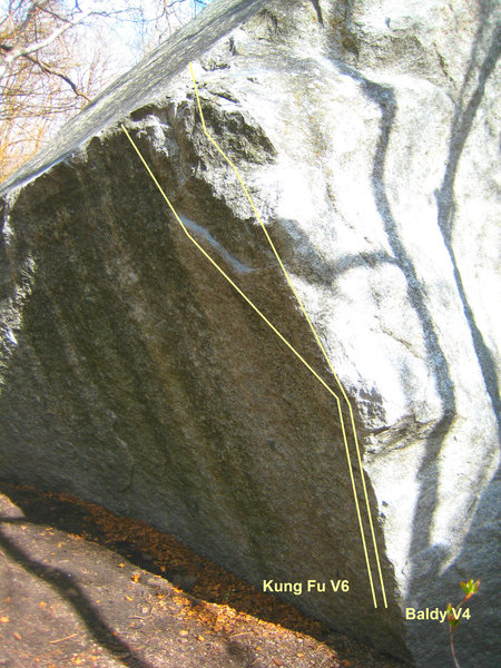 Rock Climbing Photo: Baldy V4:  Sit down on arete, then follow the aret...