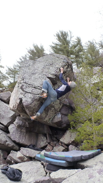 Rock Climbing Photo: Bumping left hand up arete. The right toe-hook is ...