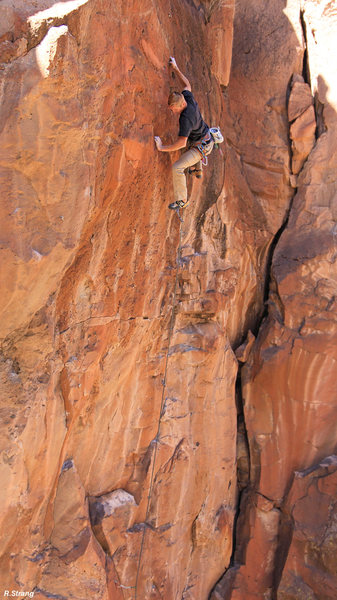 Ed cruises along the small holds after the crux of -<br> Where The Wild Things Aren't (5.11)