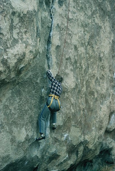 Anne, entering the hand crack. February 1986.