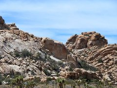 Rock Climbing Photo: Rusty Wall from the road, Joshua Tree NP