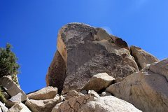 Rock Climbing Photo: Split Personality Rock (North Face), Joshua Tree N...