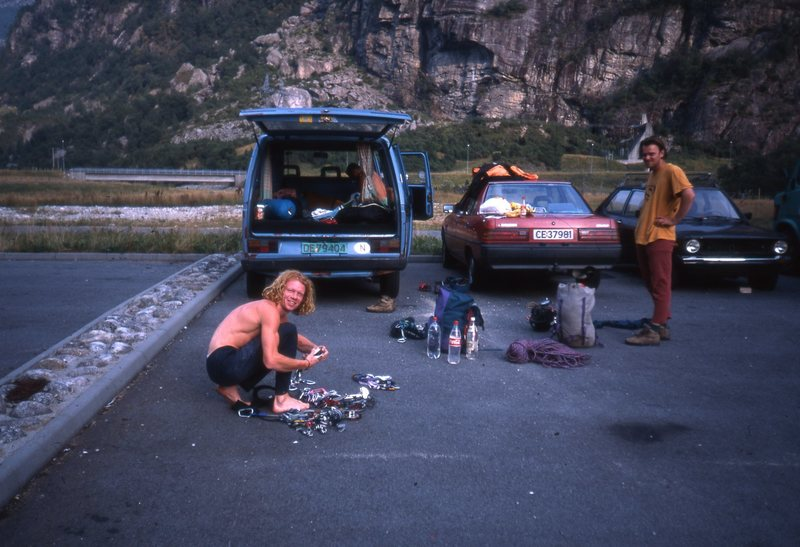 Preparations at Lysebotten. Robert Caspersen and Einar Broch Johnsen racking up on the evening before the first ascent of Sortvitt on Kjerag.