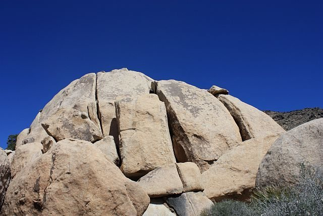 Rock Climbing Photo: Conrad Rock from the west, Joshua Tree NP