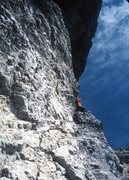 Rock Climbing Photo: Turning the roof and entering the diagonal offwidt...