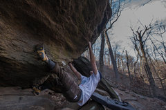 Rock Climbing Photo: Unknown problem, (FA?) V4ish. Inwood Park, Manhatt...