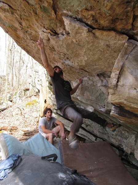 """Aaron James Parlier on the FA of """"Entelechy"""" on the Burkes Garden Roof. North Ridge."""