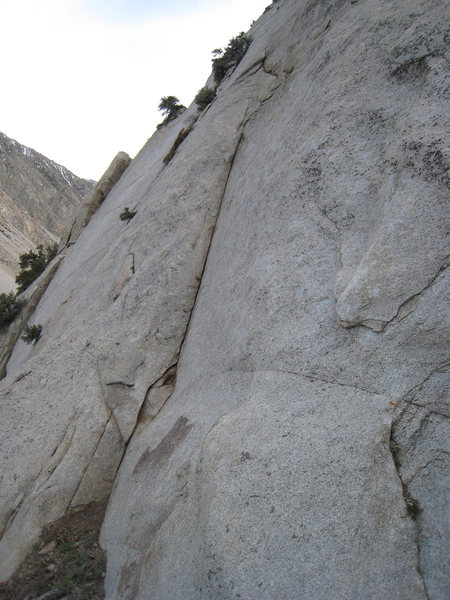 Rock Climbing Photo: The finger crack start to Slow Ride.