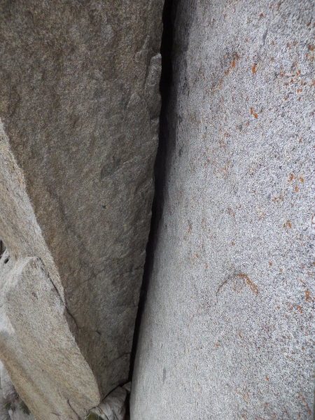 Rock Climbing Photo: a view of the 2nd pitch OW/chimney crack. Its #6 c...