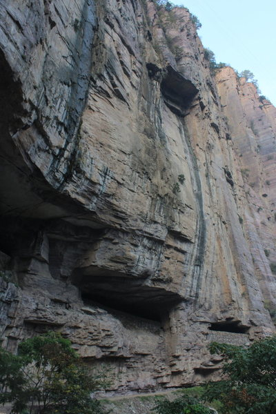 A look at some of the multipitch line potential above the existing sport routes at B-section (Guoliang Cave) crag.