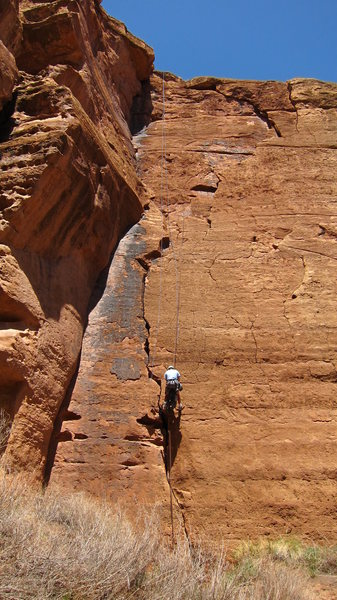 Rock Climbing Photo: Mutton Honey 5.9 Crack left of rapeller to bolts h...