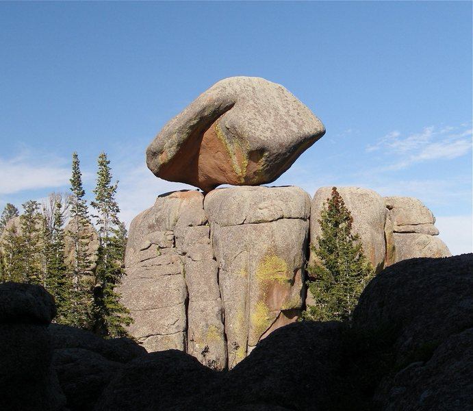 Rock Climbing Photo: Cool balanced rock.
