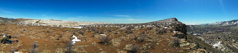 Rock Climbing Photo: Here's the top of the Mesa, from the west side abo...