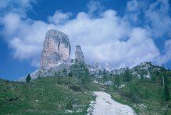 Rock Climbing Photo: Cinque Torri from Rifugio Cinque Torri, on approac...