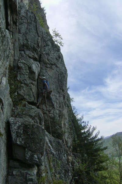 Rock Climbing Photo: Right crack variation to p1 of Green Wall, Seneca....