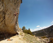 Rock Climbing Photo: Alex Herbert crushing Confessions of a Mask (12d).