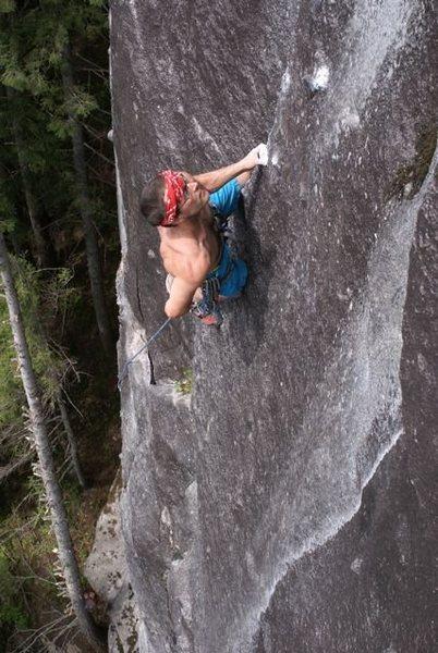 Rock Climbing Photo: Dave Morrison leading The Black Sea (11b).