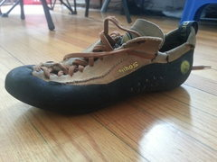 Rock Climbing Photo: La Sportiva Mytho