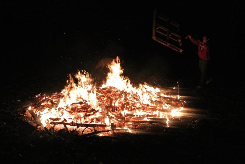 Rock Climbing Photo: Climber's party campfire pallet toss 1.