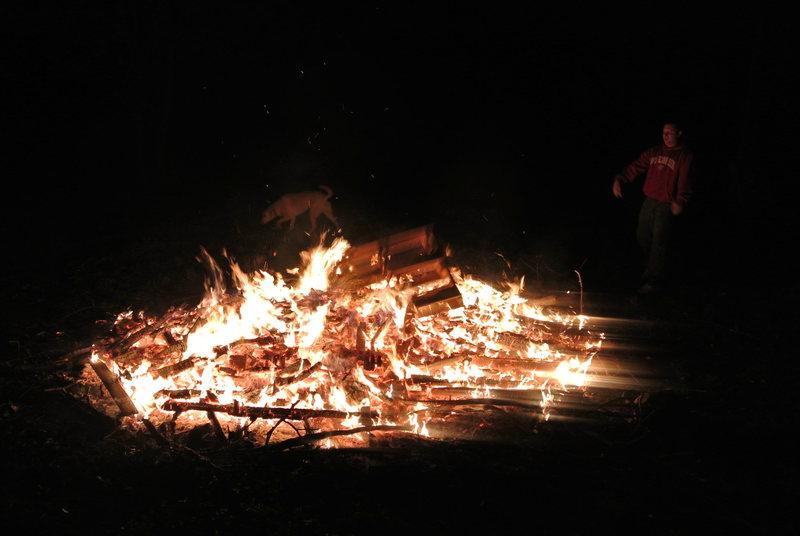 Rock Climbing Photo: Climber's party campfire pallet toss 2.