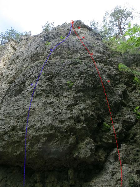 Rock Climbing Photo: Rechte Kante in red and Bierkutscher in blue.