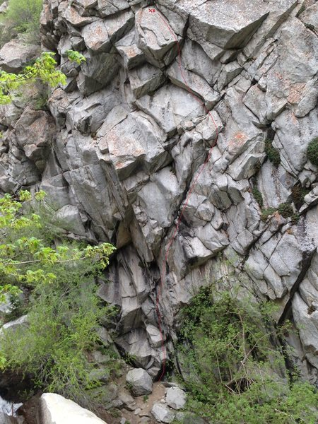 Rock Climbing Photo: Cool Your Jets Topo - the route roughly follows th...