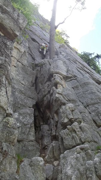 """Old"" start of Northern Pillar, most climbers now start 30 feet to right on the face. Some climbers rappel from Madame G's with a 70 meter then just down climb from here."