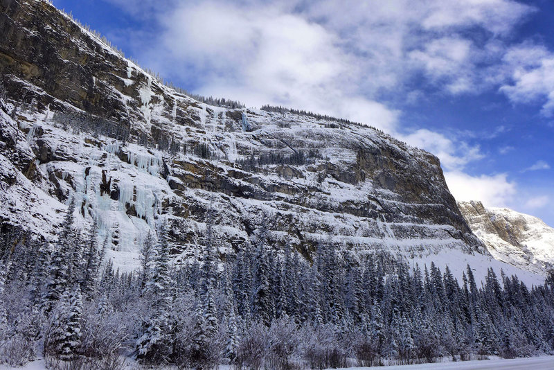 Weeping Wall from Jasper Highway. November '12.