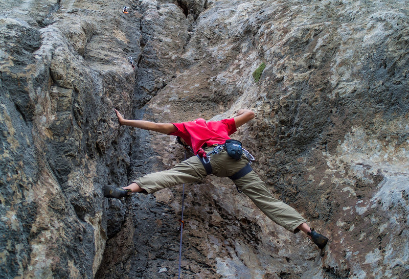 Rock Climbing Photo: Stemming my way up