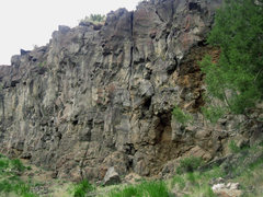 Rock Climbing Photo: This route ascends the obvious inside corner crack...