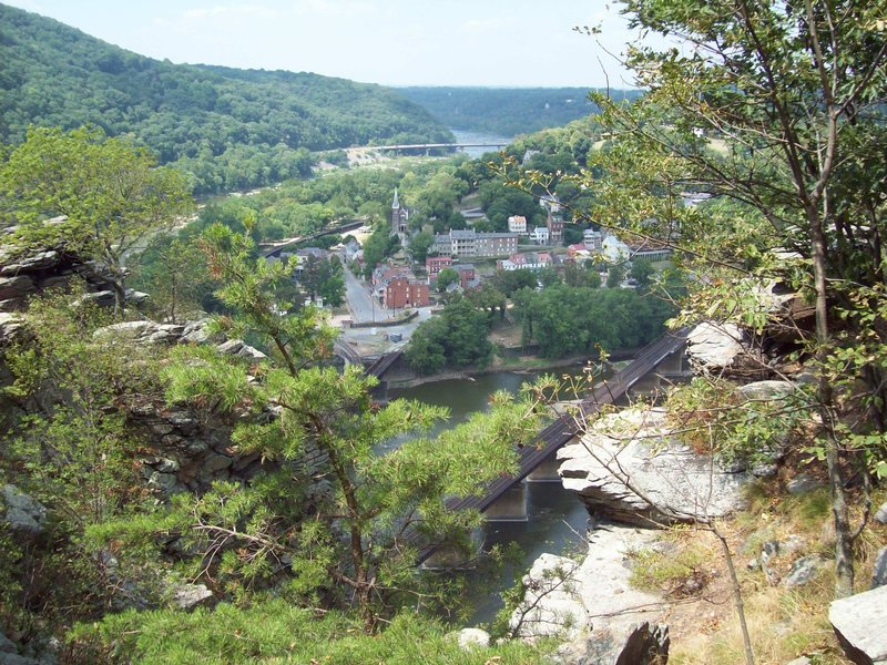 Maryland Heights are vegetated, and of mediocre rock quality, but the view makes the trip worth it.